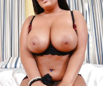 Fatty milf with huge tits Jasmine ready for a seductive masturbating
