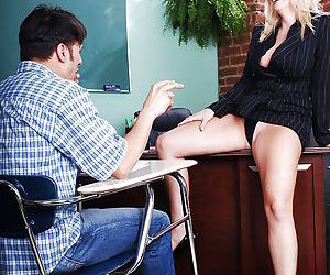 Mature teacher with big ample ass seduces her student to feed her hungry twat