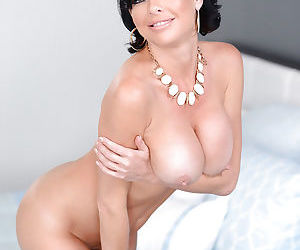 Busty solo Latina mom Veronica Avluv exposing her large tits
