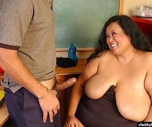 Older SSBBW Debrina eating jizz off of floppy boobs after cumshot