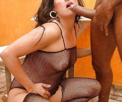 Slutty nylon clad MILF has some pussy licking and anal drilling fun