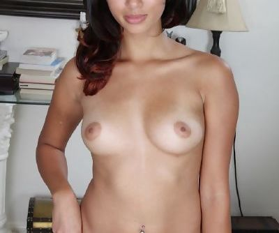 Smiley latina amateur getting nude and exposing her inviting gash