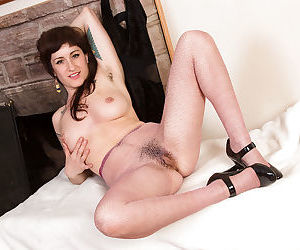 Using her tattooed body mature vixen Stacey Stax can capture any man