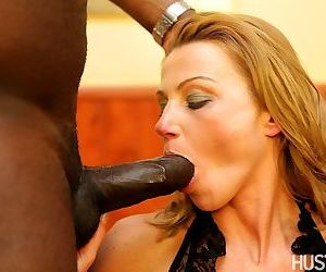 Mature lady always wanted to fuck a BBC and this is her chance to do so