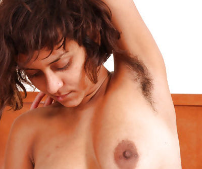 Latina amateur Sonya showing hairy underarms while having beaver ate out