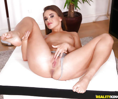 Amateur solo model Emma Brown peeling off yoga pants to expose phat ass