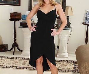Stunning mature chick Avery Johannson is stretching her tight hole