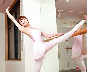 Young Asian dancer Ririka Suzuki stretches nude in studio to bare trimmed muff