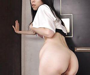 Frisky asian MILF Yuko Mukai getting naked and taking shower