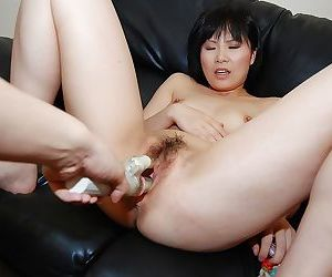 Minori Nagakawa gets her hairy pussy stuffed with sex toys and hard dick