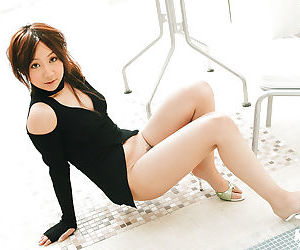 Sweet asian babe on high heels Ryo Akanishi taking off her shorts