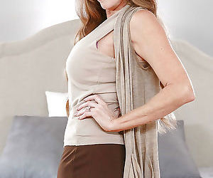 Older solo model Darla Crane ditching skirt and pretty things to pose naked
