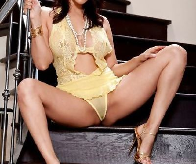 Lusty lingerie poses and sensual pussy play make Sunny Leone sexy