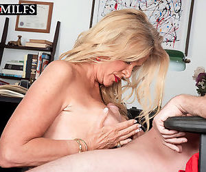 Horny mature lady getting nailed - part 2491
