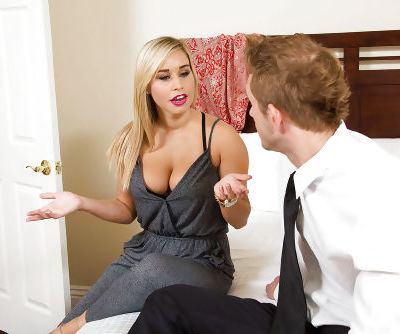 First class blowjob from an blonde reality beauty Kennedy Leigh