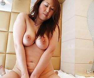 Asian gal Eiko Kawai gets trimmed pussy vibed- cocked up and creampied