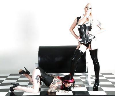 Amateur slut Joanna Angel kinky femdom porn play with a blonde MILF