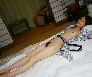 Japanese babe saori in white panties showing pussy - part 3560