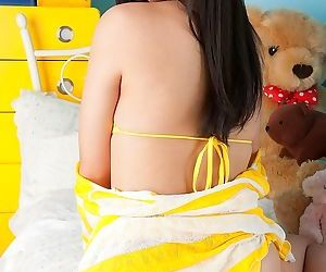Pretty asian model tomoe yamanaka posing in bikini - part 1099
