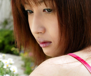Japanese babe shows tits - part 2817