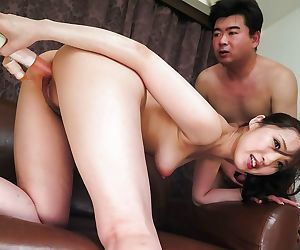 Asian momose luna toying pussy and enjoys cumshots - part 796
