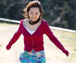 Busty asian beauty maiko kazano poses showing tits - part 2288
