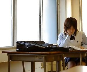 Japanese schoolgirl yuran shows her ass and tities - part 3555