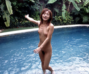 Japanese girl swimming nude - part 3525