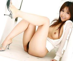 Japanese babe rika yuuki showing her ass and pussy - part 2453