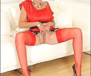 Red seamed nylons leggy older secretary lady sonia - part 2623