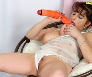 Chubby mom toying and fucking - part 1937