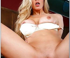 Julia ann horny for college cock - part 1377