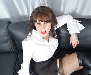 Horny british housewife playing with herself - part 2817