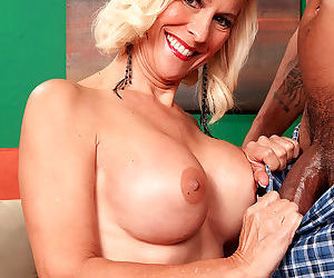 Hot older woman has her first interracial sex experience - part 2879