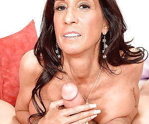 Hot mature babe in stockings cheryl conner gives a blowjob and gets shagged - part 365