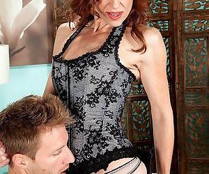 Skinny mature woman betty blaze assfucked - part 3350