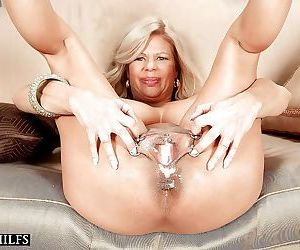 Pierced mature pussy stuffed with cock and creampie - part 3191