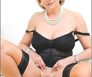 Mature pussy from lady sonia - part 2822