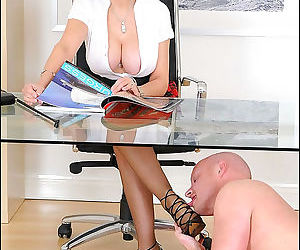 Secretary milf lady sonia gets her feets licked in office - part 3013