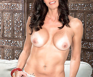 Katrinas tits pussy and asshole show - part 3221