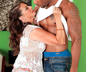 Mature housewife margo sullivan cheating with black guy - part 3184