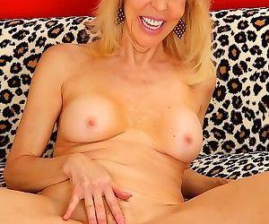 Mature beauty erica lauren sucks and fucks a penis - part 141