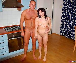 Amateur women sucking and fucking - part 3371