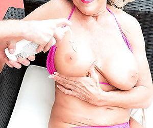 Blonde granny lady in sexy bikini ready for cock - part 2564