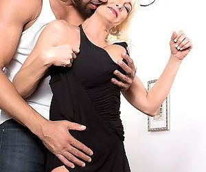 Busty mature lady loves black cocks - part 2561
