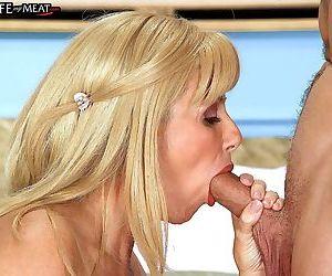 Superbusty mature porn star penny porsche sucks - part 2735