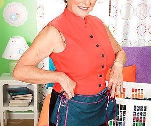 Bea cummins in her granddaughters closet - part 2177