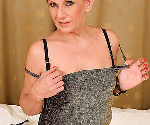Mature housewife lucy o peels her 58 year old pussy lips apart-lucy o-oct 18th, - part 3049