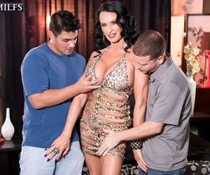 Mature cuckold threesome sex action - part 1002