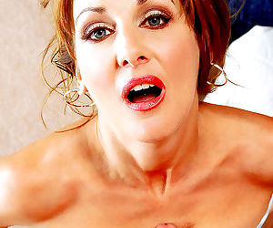 Redhead mature loves pussy licking - part 2775